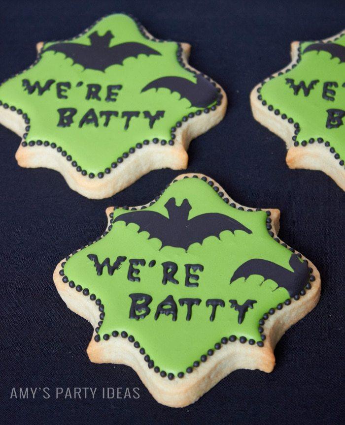 Halloween Bat Cookies | Cakeicature Auburn, AL |DIY Bats in the Graveyard Halloween Desserts & FREE PRINTABLE gravestones | #SnackPackMixIns #shop #ad #cbias