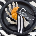 DIY Halloween Place Card {Freebie}