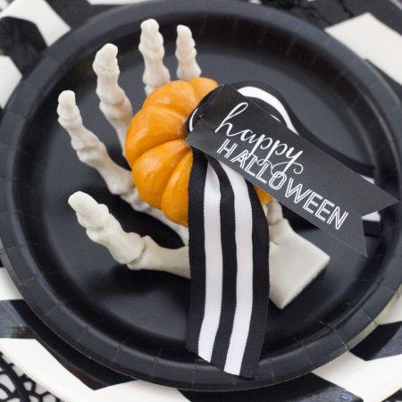 DIY Halloween Place Card {Freebie}