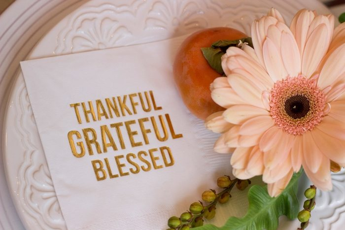 Thanksgiving Gathering Party Ideas from AmysPartyIdesa.com and Swoozies.com | Thankful Grateful Blessed Gold Foil Napkins