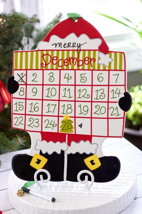 Elf Brunch Party Ideas from AmysPartyIdeas.com | Christmas Countdown Calendar from Coton-Colors.com | #cotoncolors #elfreturnweek