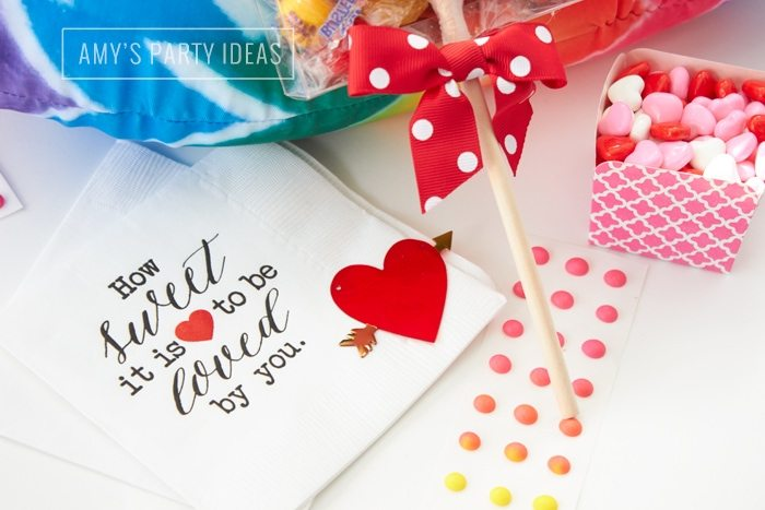 How Sweet It Is to Be Loved By You napkins  |  Valentine's Day Gift Ideas for kids from AmysPartyIdeas.com & #swoozies