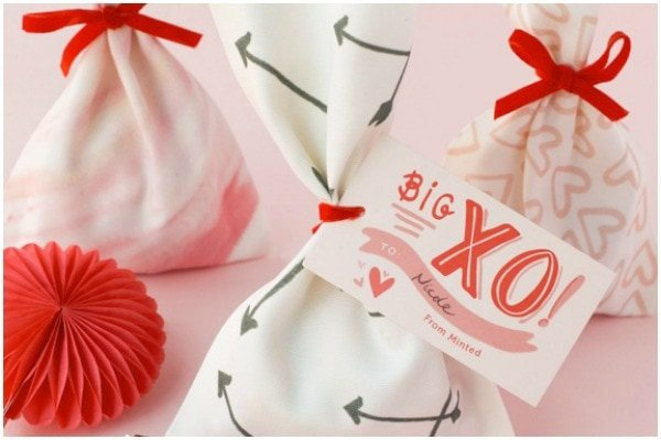 DIY #valentines treat bags from Minted.com