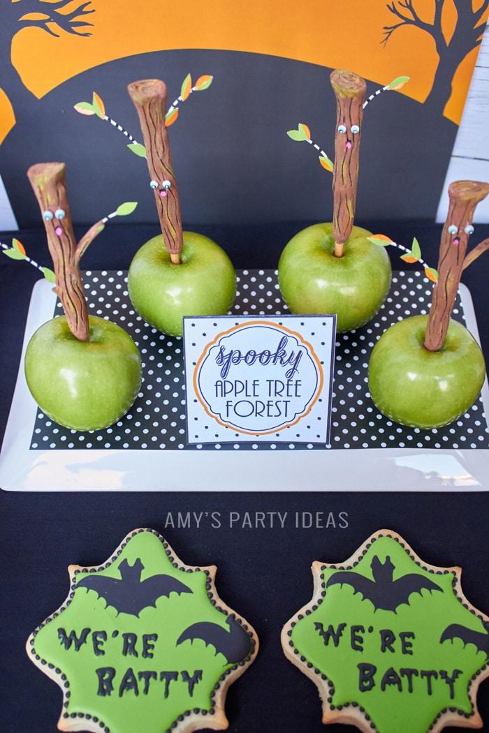 Spooky Apple Trees | Halloween Candy Apples |DIY Bats in the Graveyard Halloween Desserts & FREE PRINTABLE gravestones | #SnackPackMixIns #shop #ad #cbias