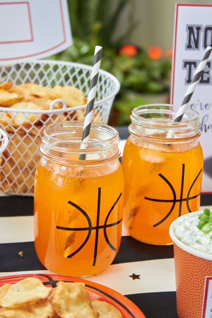 Basketball Madness Watch Party Ideas | Easy Snacks for your basketball party | FREE PRINTABLES | DIY basketball ideas | Basketball net serving bowls & basketball mason jars | As seen on AmysPartyIdeas.com | RITZ Crisp & Thins